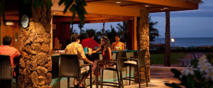 aulani-dining-wailana-pool-bar-couple-at-bar-hero